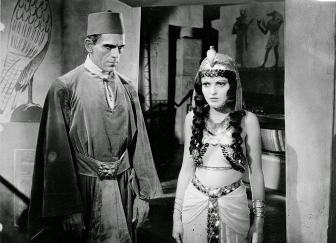 "Boris Karloff and Zita Johann in ""The Mummy"" (1932)"