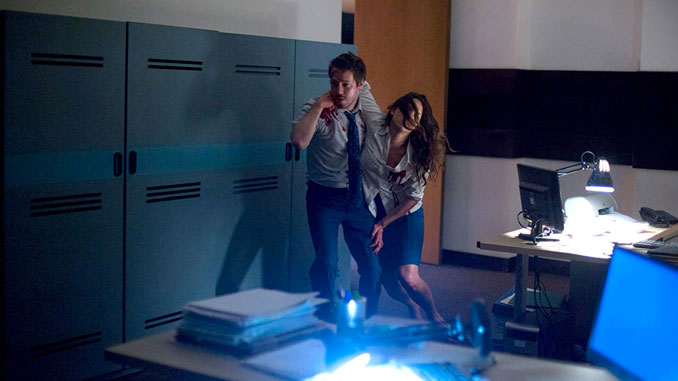 John Gallagher Jr. and Adria Arjona in The Belko Experiment (2017)